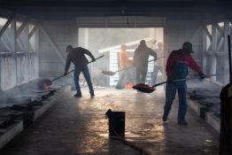 Koronawirus Pracownicy budowa